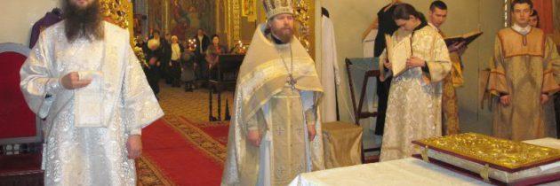 Архимандрит Тихон (Шевкунов) совершил первую литургию в Троице-Введенском приходе