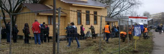 Депутаты вместе с прихожанами провели субботник в Грайворонове