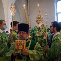 Первое архиерейское богослужение