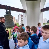 Храм на Волжском посетили учащиеся городских школ района