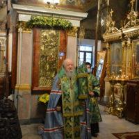 Владыка Ювеналий в день памяти прп Сергия Радонежского совершил богослужения